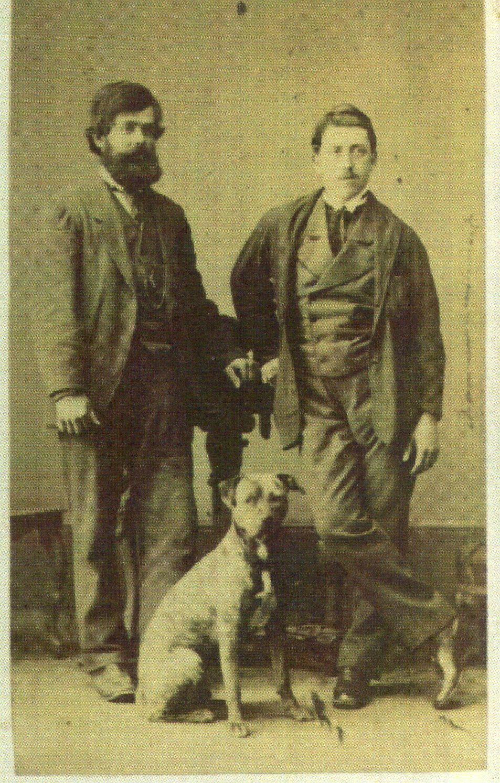 Nikola Primorac (lijevo), Edward Hayter (desno) i pas Boatswain, posjetnica na kartonu, srpanj 1871.,