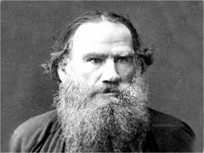 """""""Čovjek ne može posjedovati ništa dok god se boji smrti. Za onoga tko je se ne boji, njemu pripada sve. Da nema patnje, čovjek ne bi znao svoje granice, ne bi poznavao sebe."""" Lav Nikolajevič Tolstoj"""