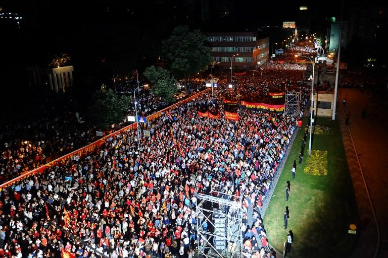 Makedonija je podijeljena - mnoštvo koje je došlo dati podršku Gruevskom