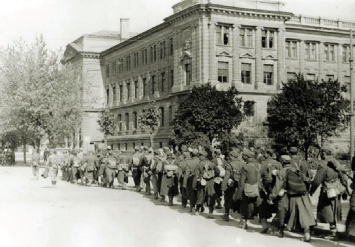 Prolaz jedinica I. ili II. JA Savskom ulicom