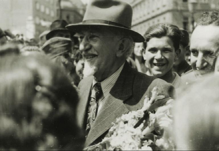 Dolazak Vladimira Nazora u Zagreb, 16. svibnja 1945. godine