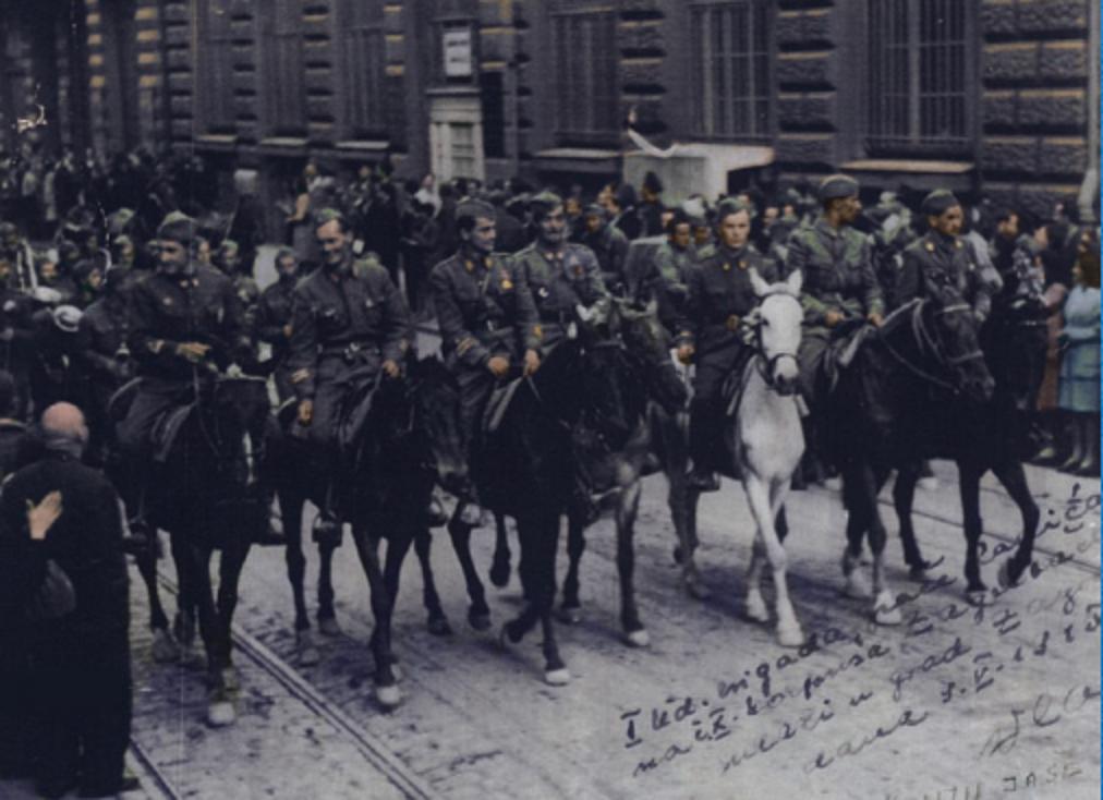 """Štab Udarne brigade """"Braća radić"""" na čelu Desetog korpusa ulazi u Zagreb, 9. svibnja 1945. godine. Na bijelom je konju Josip Skupnjak Vlado"""