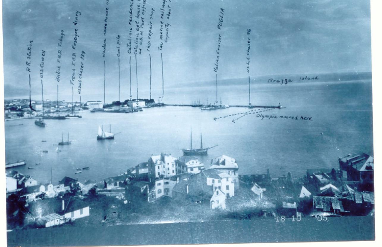 Obavjestajna fotografija američke flote u  splitskoj luci