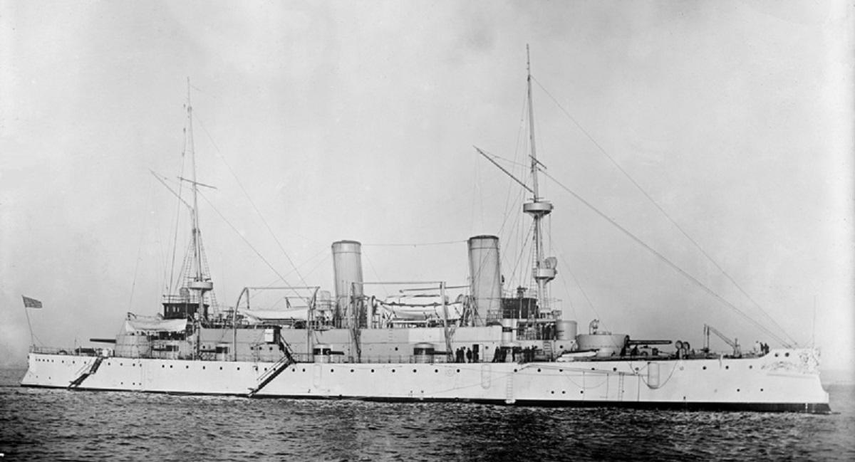 Američka krstarica i admiralski brod  USS  Olympia