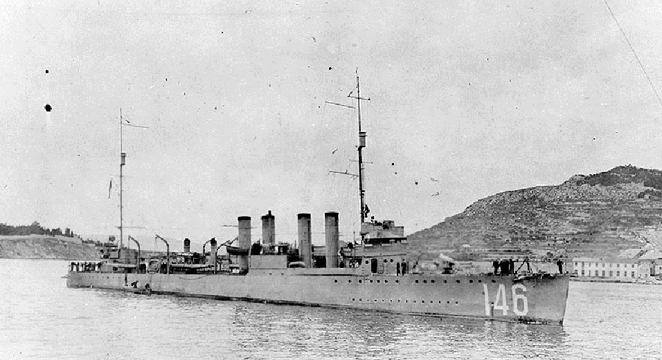 Jedan od brodova saveznicke flote u spli tskojluci nakon  Prvog svjetskog rata