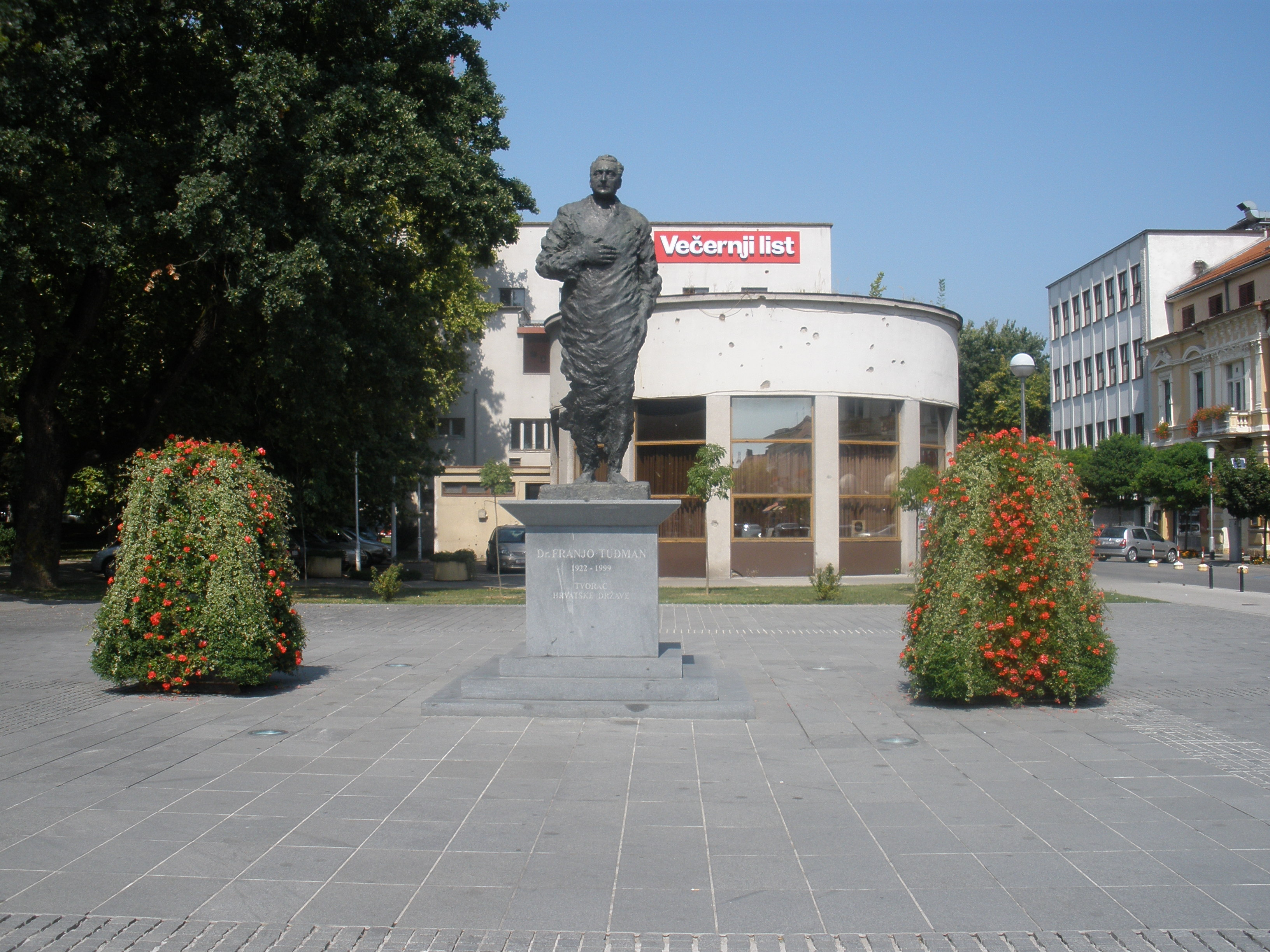 Autor: Kuzma Kovačić