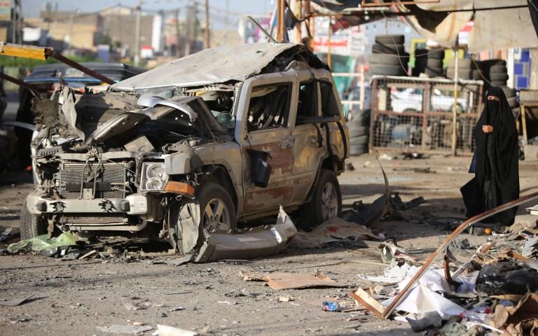 Ostaci automobila nakon autobombe