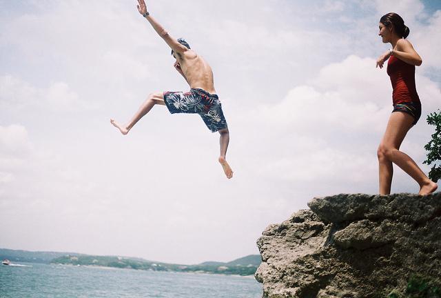 Spontanost je jedna od osobina uspješnih mladih ljudi.