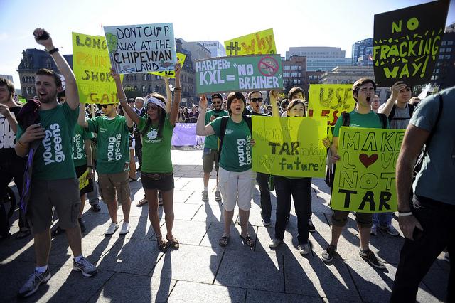 Mladi aktivisti.