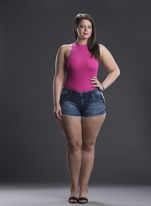 Vruće mršave djevojke