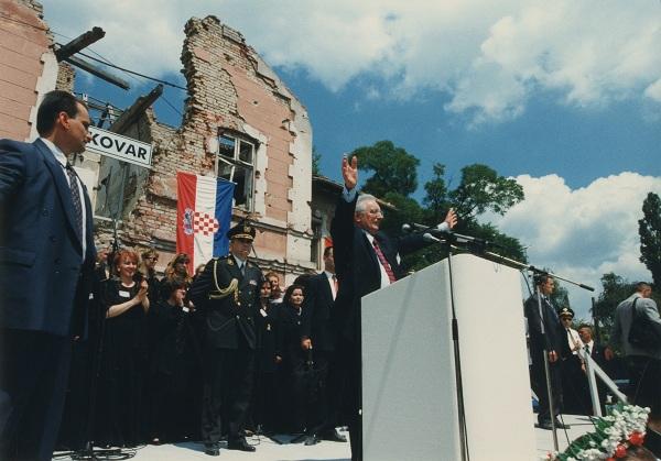 Franjo Tuđman u Vukovaru