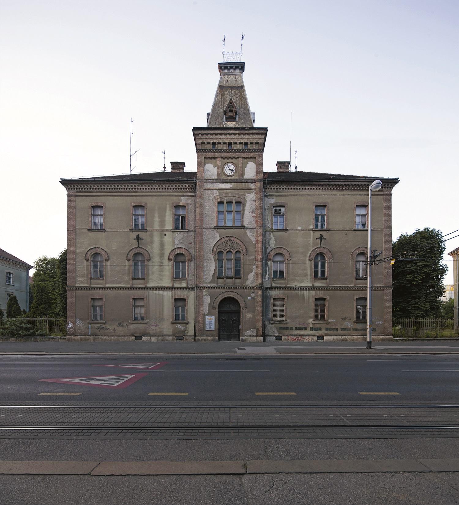 Nekadašnja glavna zgrada domobranske vojarne u Ilici