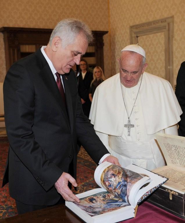Papa Franjo u razgovoru s Nikolićem