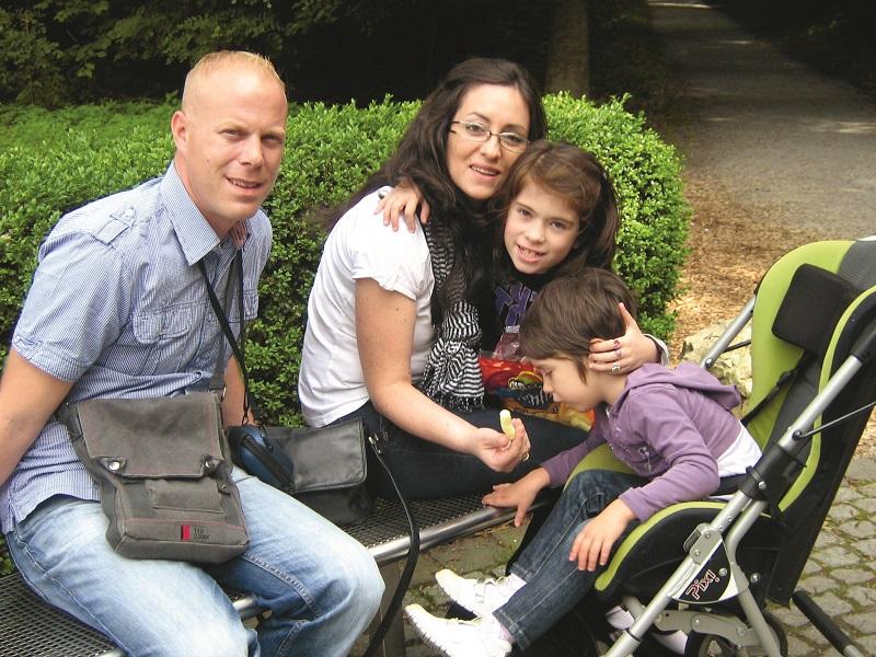Obitelj Smajo 2011. godine - tata Miro, mama Dijana, starija kći Veronika i malena Marijeta