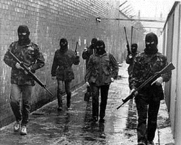 """""""Izgledaju cool dok brane svoju zemlju"""", napisao je o IRA-i"""