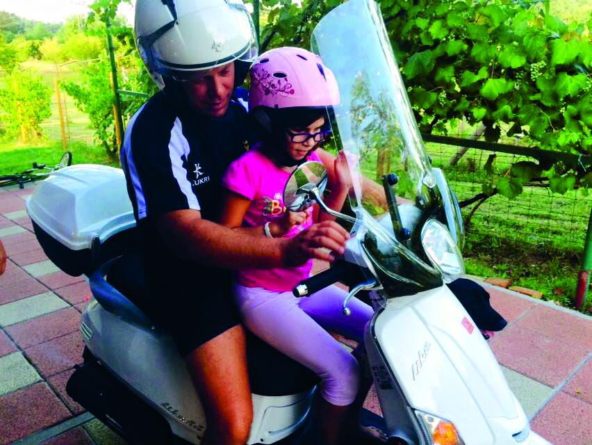S tatom na mopedu