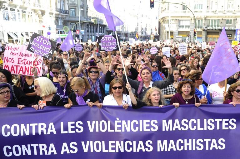 Prosvjednici su nosili transparente s porukama protiv nasilja nad ženama