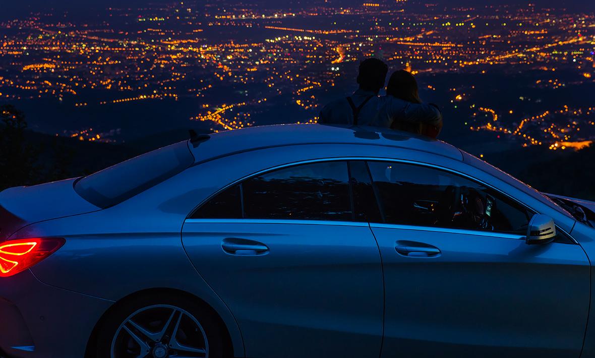 разнообразию фото человека на фоне машины ночью столовый