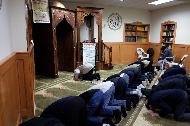 Molitva muslimana u džamiji u SAD-u