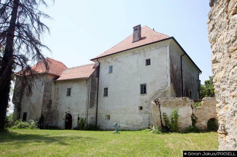 Dvorac Oršić-Slavetić