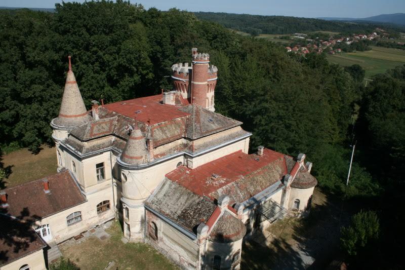 Dioš je jedan od najmlađih slavonskih dvoraca