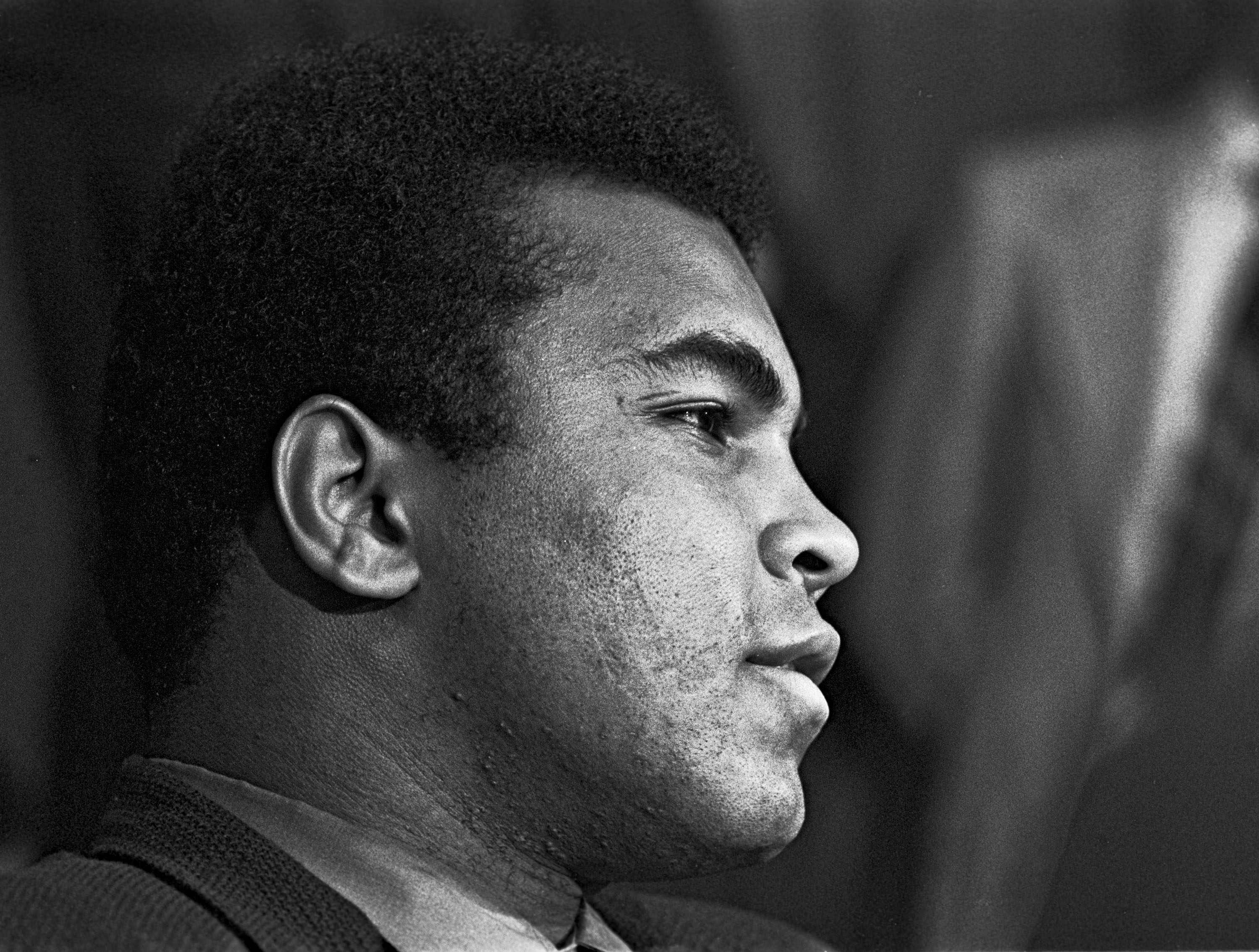 May 18, 1971 - Modesto, California, United States: Sportsmen of Stanislaus Club invited Muhammad Ali to speak in Modesto. In the past, the SOS Club had hosted other boxing greats such as Max Baer, Jack Dempsey, Joe Louis, Rocky Marciano and Joe Frazier. One month later in June of 1971, the Supreme Court ruled in favor of Ali on the issue of his draft evasion conviction, clearing the way for him to box and eventually regain his title. SOS was a male-only organization at that time and charged $5.00 per dinner ticket., Image: 175186988, License: Rights-managed, Restrictions: , Model Release: no, Credit line: Profimedia, Polaris