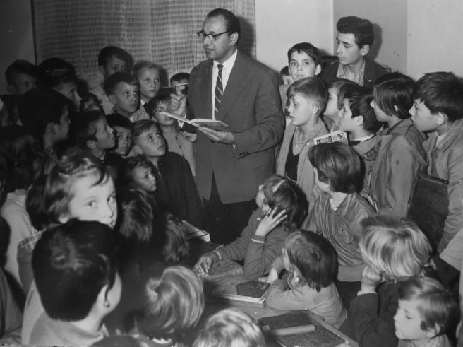 Grigor Vitez s djecom