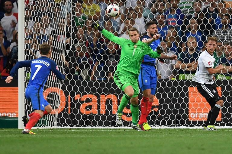 Antoine Griezmann zabija drugi gol za Francusku