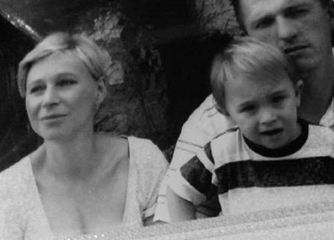 Mama Sanja Šnajder i tata Dino Petr s četverogodišnjim Teom