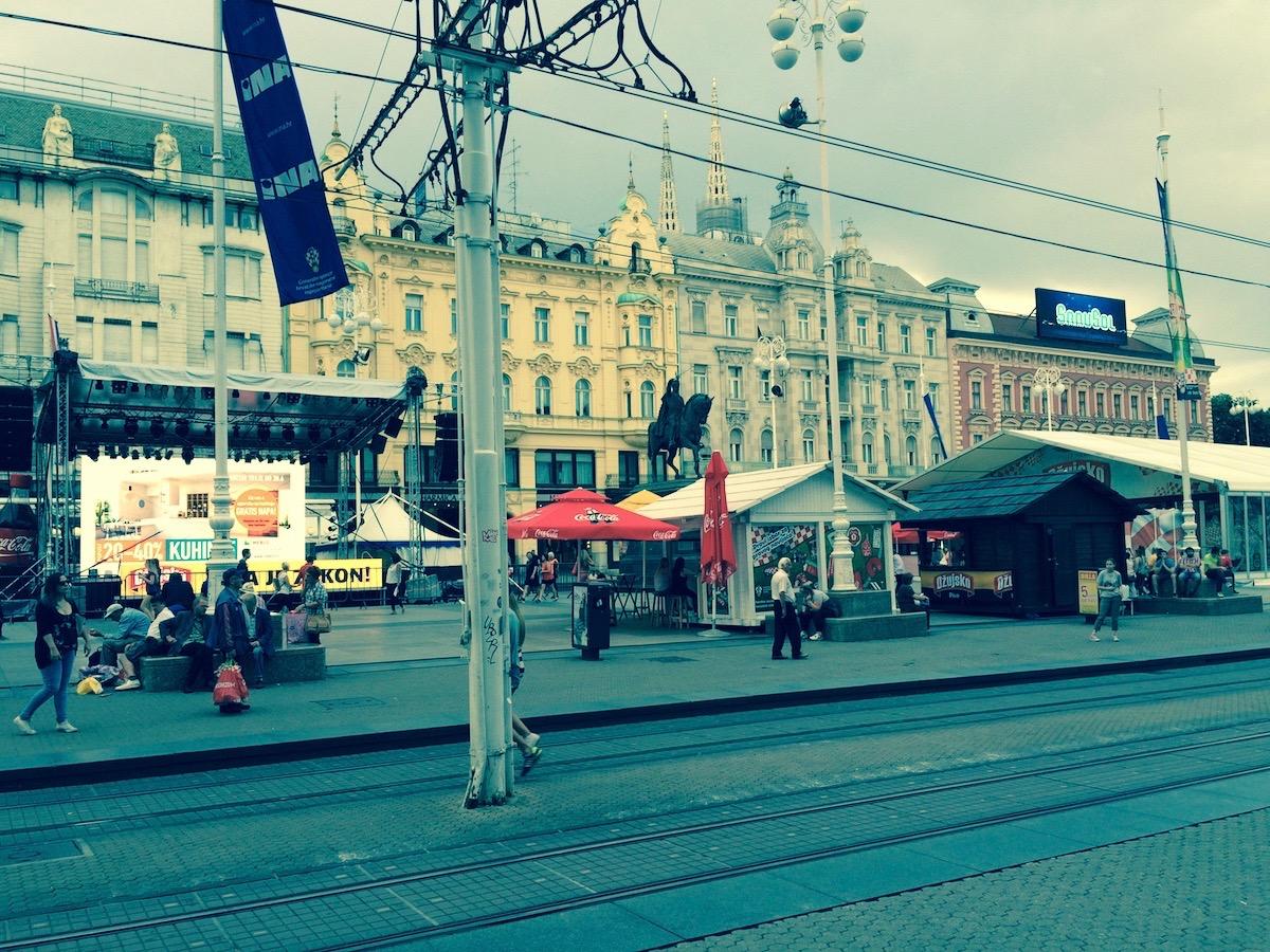 Jelačićev trg kao permanentno sajmište