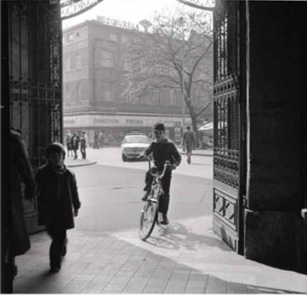 Poznata fotografija Marije Braut snimljena 80-ih iz Oktogona