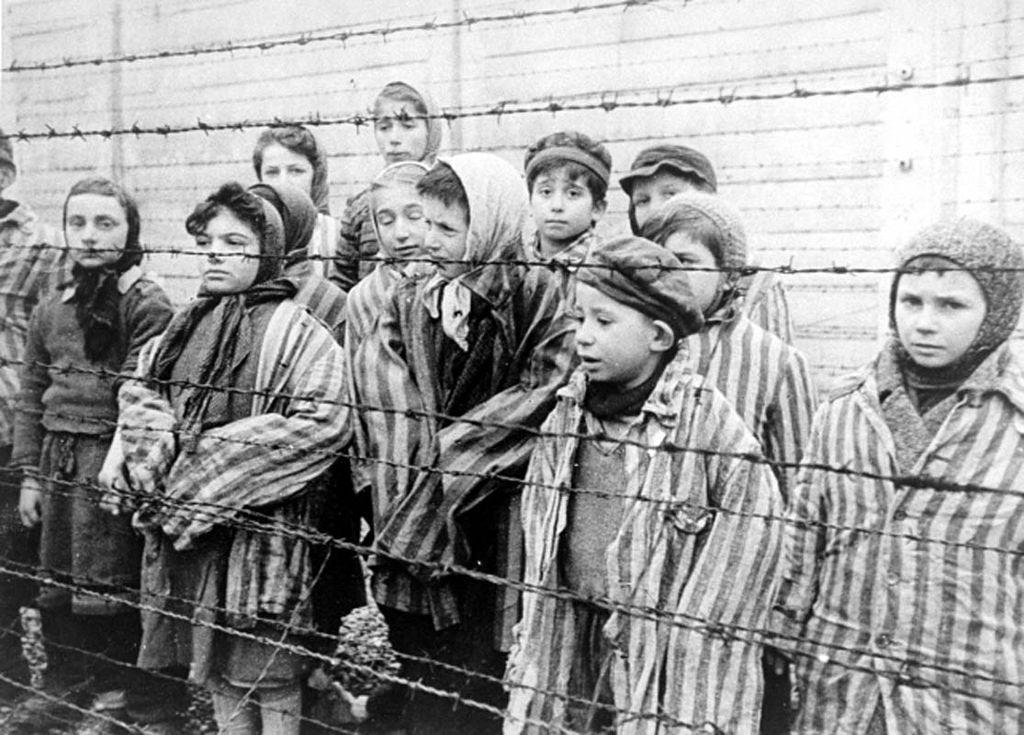 Djeca koja su preživjela Auschwitz, 1945.