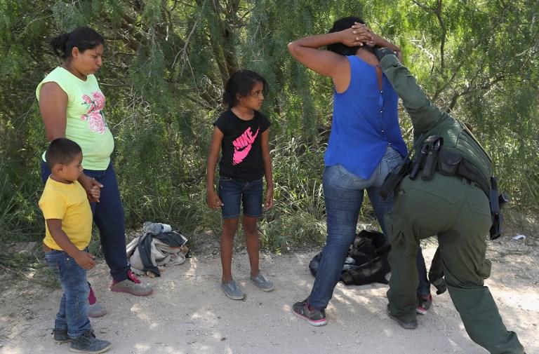 Roditelje se privodilo,a djecu smještalo u neki od centara.