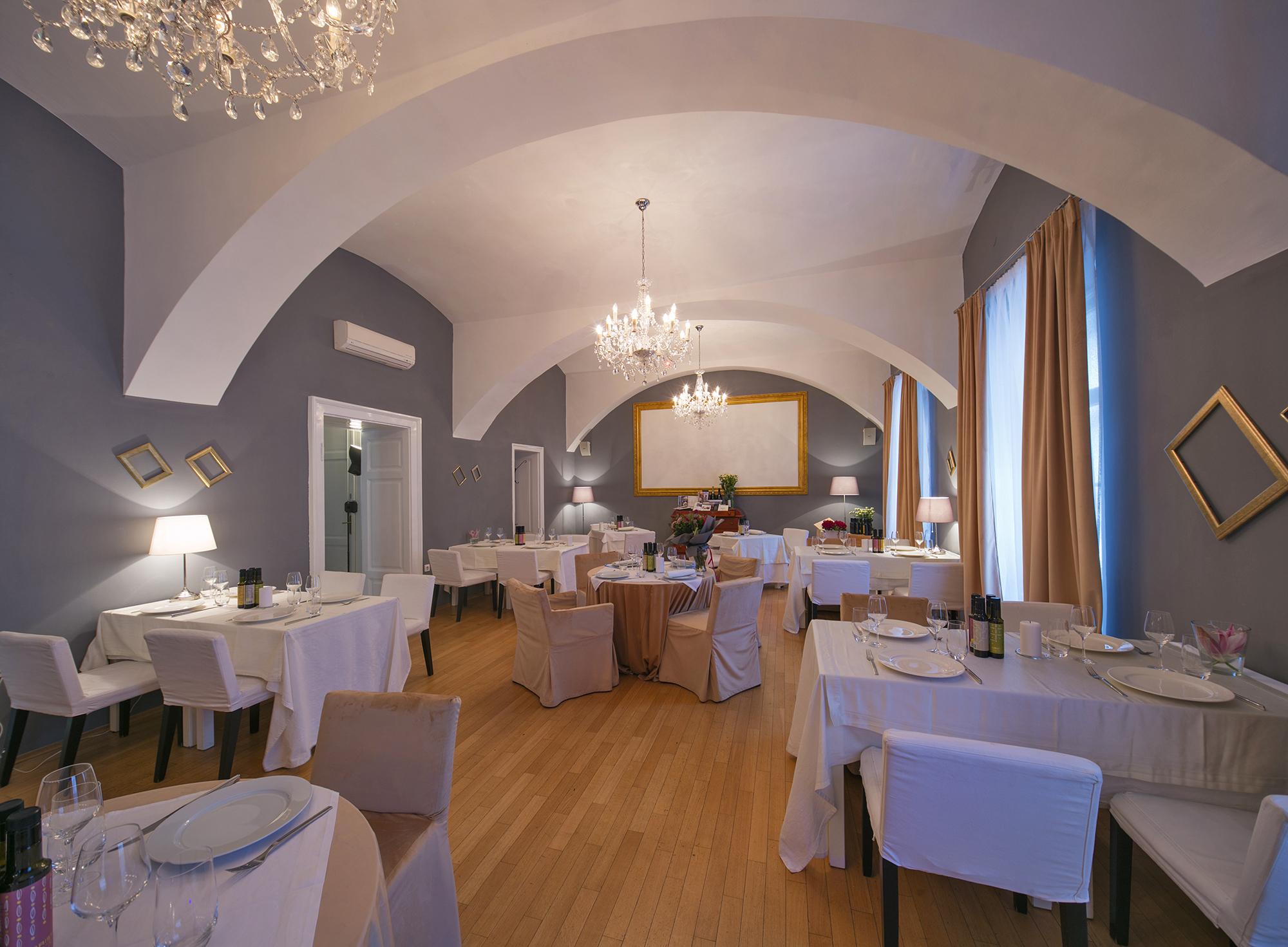 Prvi restoran se, naime, nalazi u Vodnjanu, otvorili su ga prije 40 godina, a sad su otvorili i zagrebački  na adresi Gundulićeva 16.