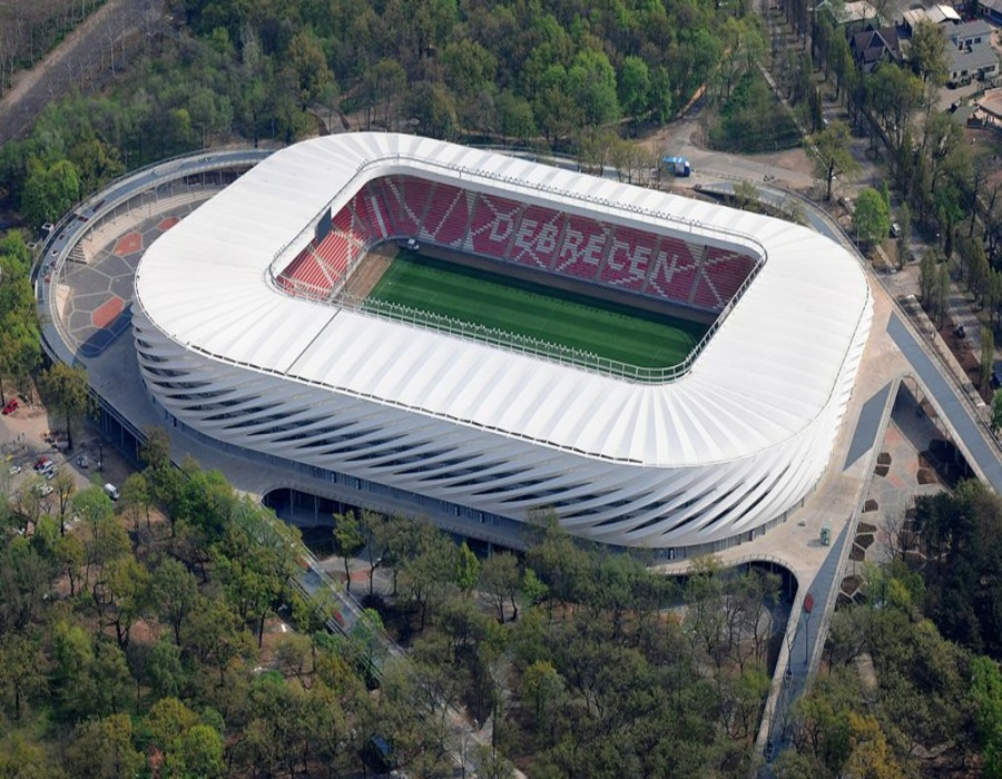badic gradi pokrivalo na maksimirskom ruglu za 38m€ koliko kostaju stadioni u susjedstvu Nagyerdei-Stadion_24.hu_