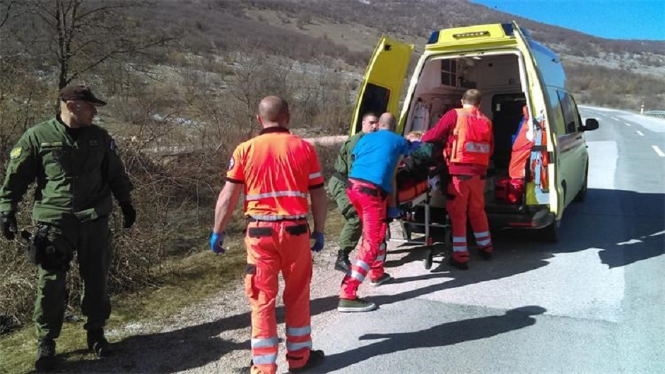 MUP javlja da su na Plješivici pronašli 15 migranata; spasili su trudnicu koja je bila u lošem stanju