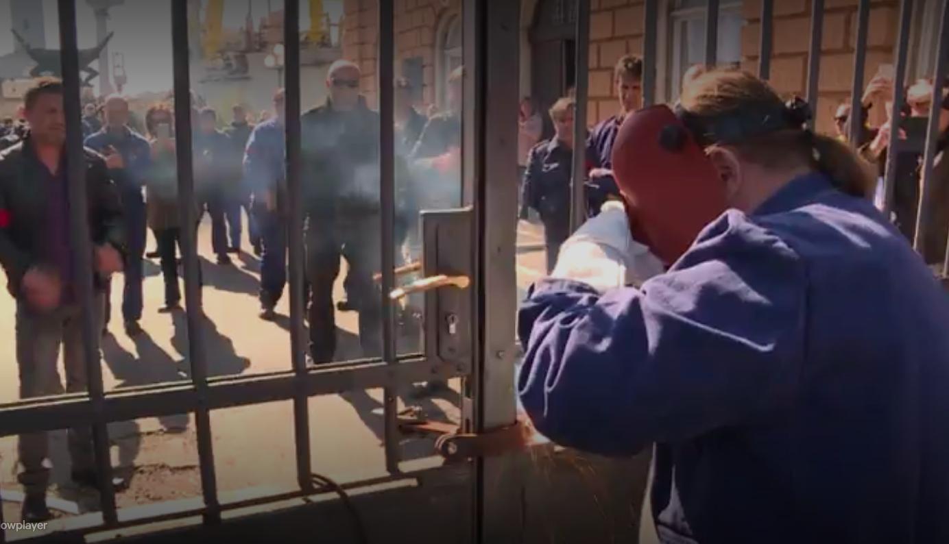 Radnici Uljanika štrajkaju peti dan. I dalje čekaju da im netko kaže što će biti
