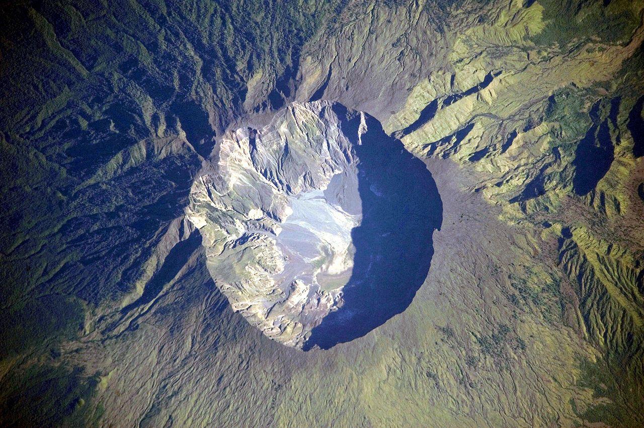 SVI ZNAMO DA JE 10.TRAVNJA ZNAČAJAN 3-vulkan-tambora-wikimedia