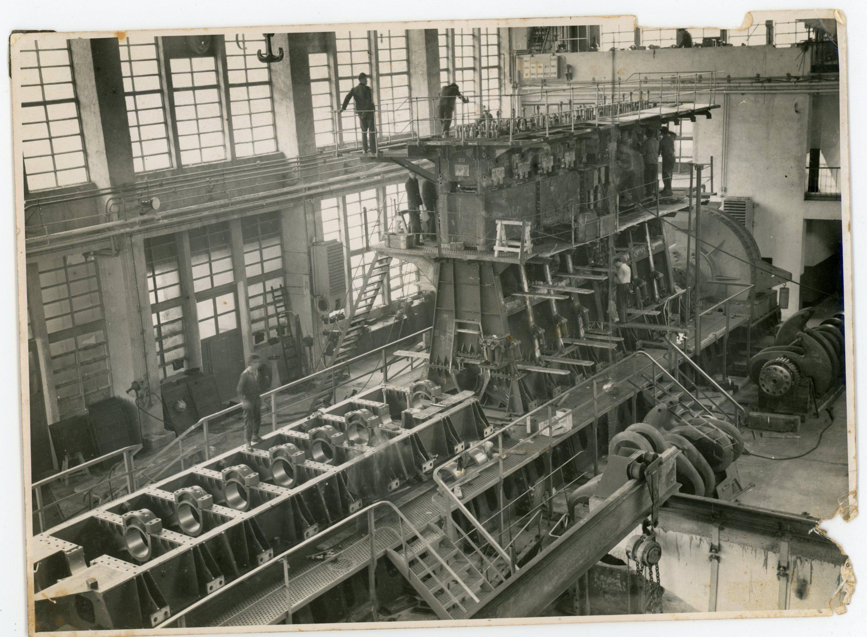 Interijer strojograđevne hale za izradu brodskih dizel motora, oko 1955.