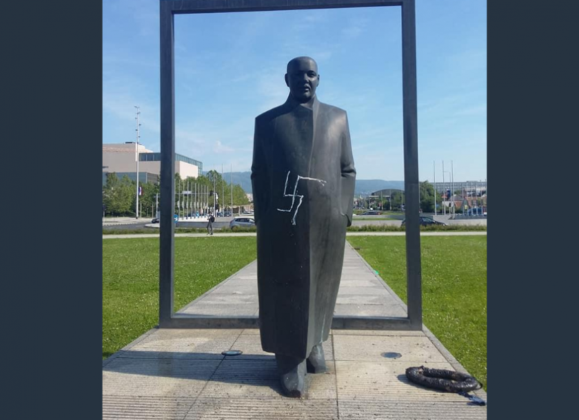 Netko Je Na Spomeniku Veceslavu Holjevcu Nacrtao Kukasti Kriz