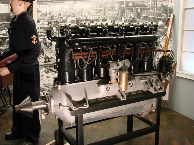 Kako su izgledali prvi proizvodi nekih najpoznatijih svetskih brendova? 2-bmw-motor-IIIA-wk