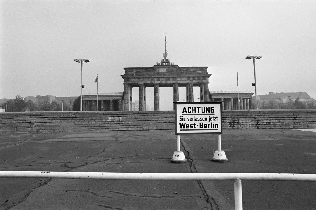 Slika Brandenburških vrata, 1976. godina.