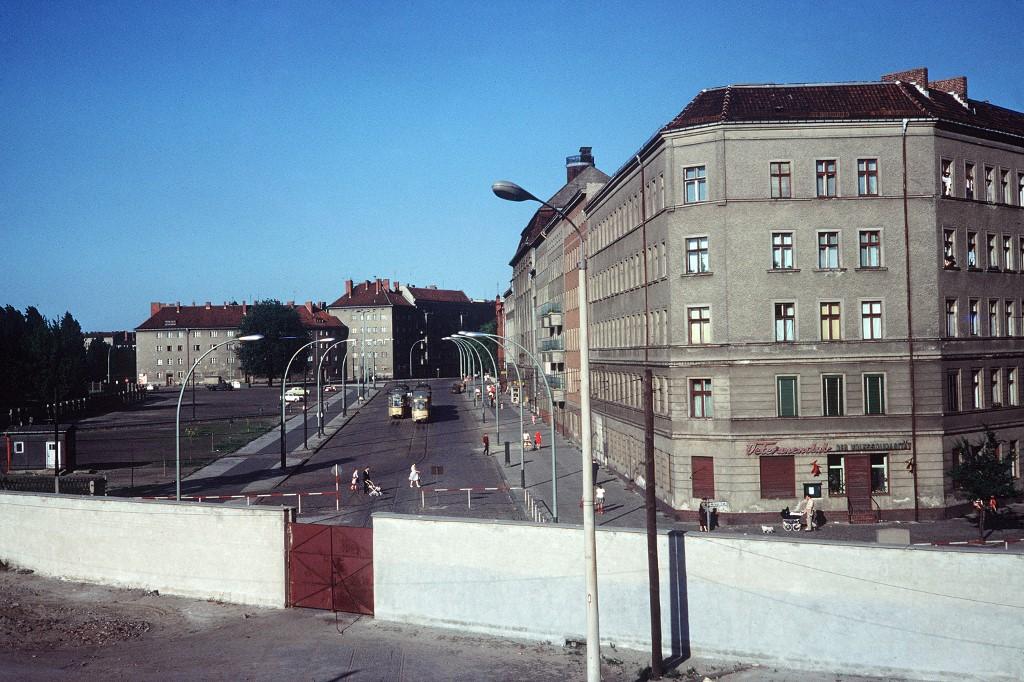 Fotografija zida kod Bernauer Strasse iz 1968. godine.