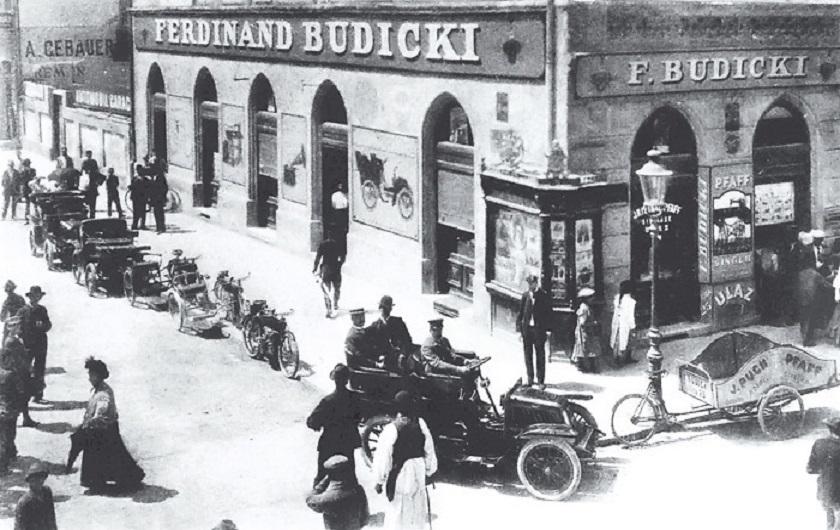 Trgovina automobila i motora Ferdinand Budicki na adresi Ilica 25. Snimljeno 1903. godine.