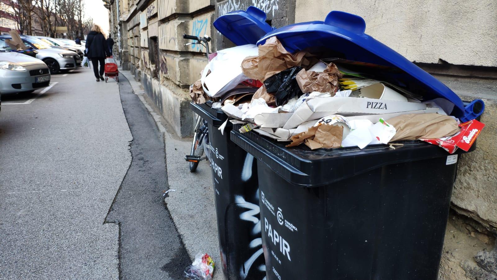 Pretrpane kante za papir u Klaićevoj