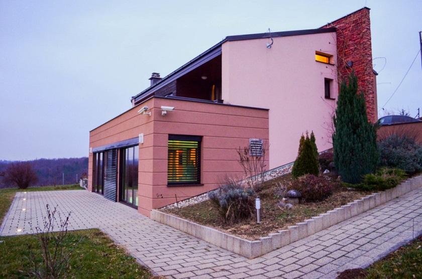 Villa imperialis nalazi se u Podgorju Bistričkom u Mariji Bistrici u Krapinsko-zagorskoj županiji.