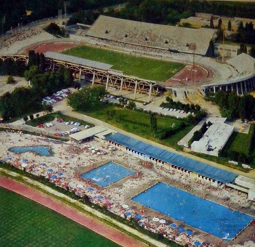 Maksimirski stadion i bazen Svetice 1967. godine.