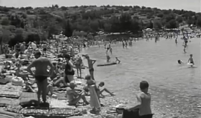 Prepuna plaža, godina nepoznata