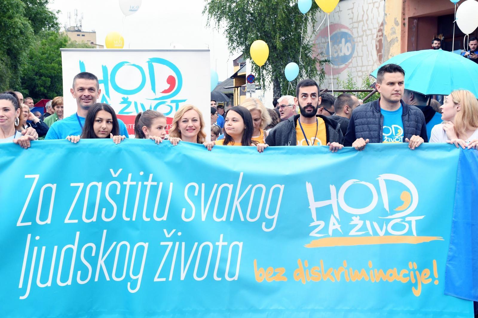 Moto manifestacije bio je 'Za zaštitu svakog ljudskog života'