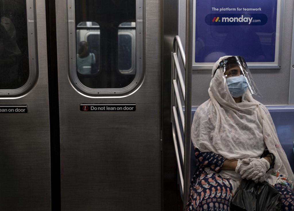 Američki epidemiolozi objavili nove smjernice; preporučuju da se ljude koji putuju u inozemstvo triput testira